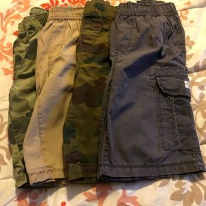 4 children place cargos shorts